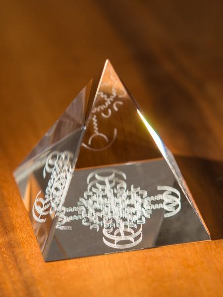 EL'ACHAI Raumpyramide